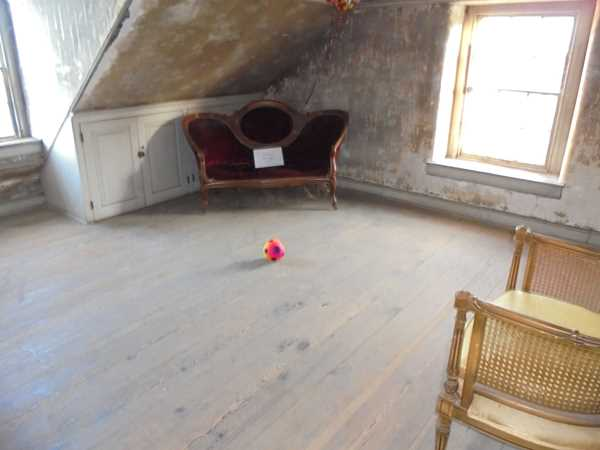 Selma Mansion Attic />